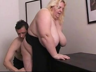 Fat mature women having sex