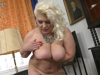 Hot chubby big tits and ass milf